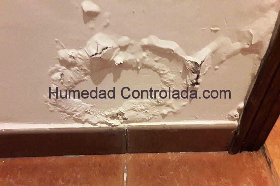 ¿Cortar las paredes para eliminar las humedades por capilaridad? Yo no lo haria, forastero.